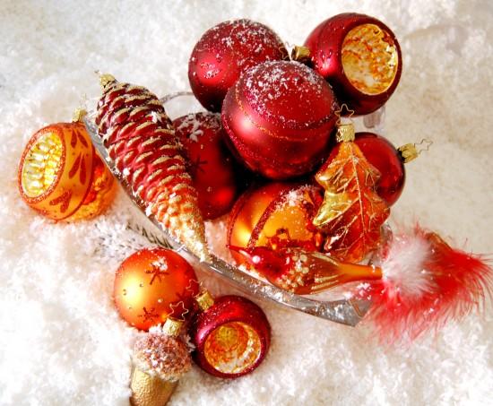 Rote Christbaumkugeln.Rote Christbaumkugeln Bordeaux Weihnachtstrends